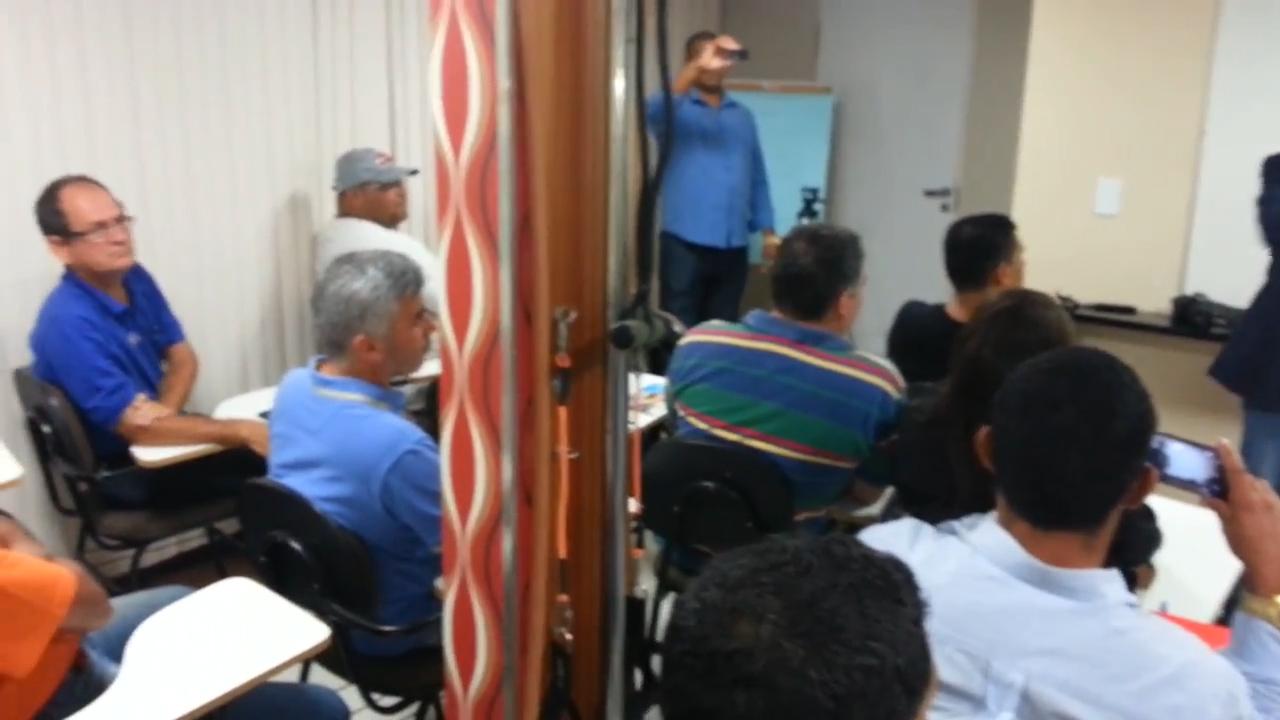 Treinamento sobre a arte de falar em público..00_03_29_13.Quadro007